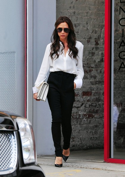 Victoria Beckham in BB Manolo Blahnik BB Pumps