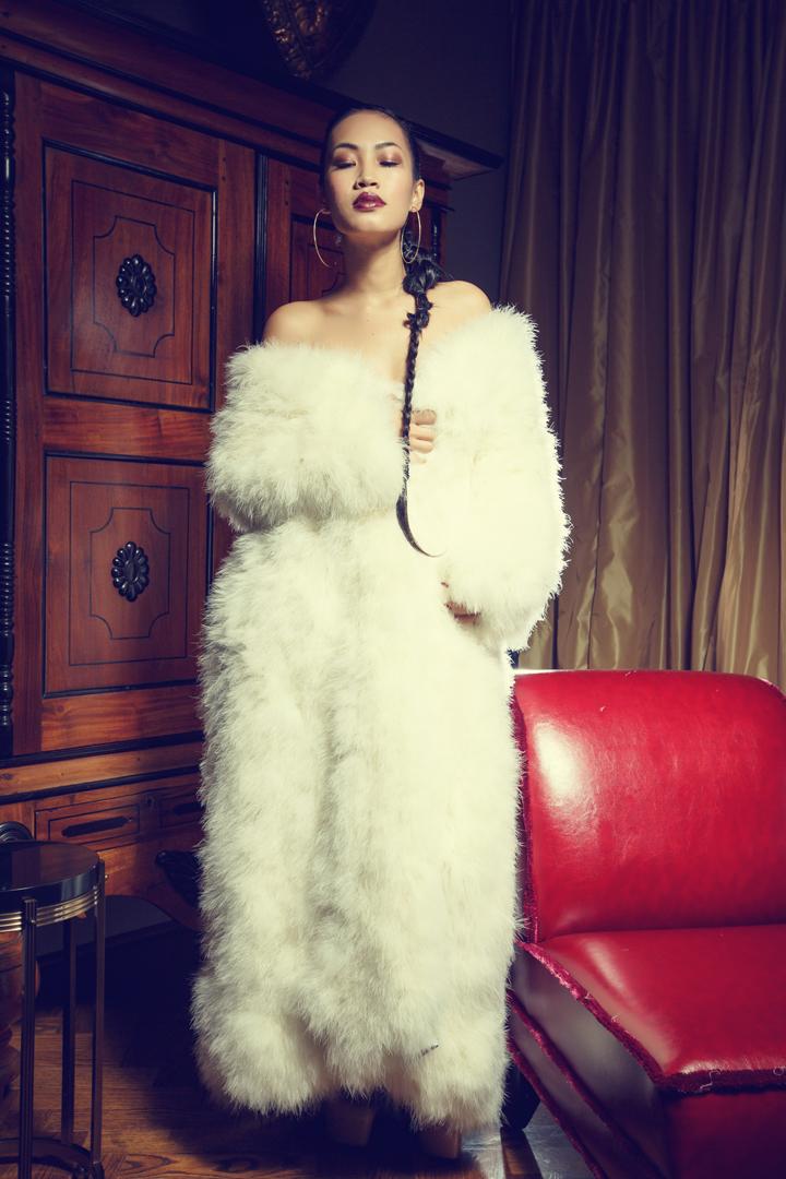 Nini Nguyen white ostrich fur1